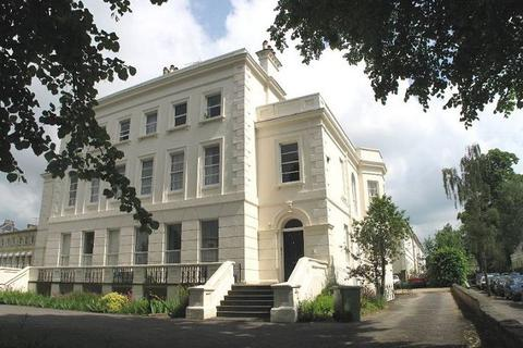 1 bedroom flat to rent - Flat 3, 52 London Road , Cheltenham, GL52 6DY