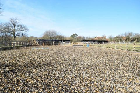 Equestrian property for sale - Broadwater Lane, Horsham