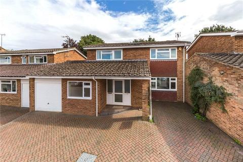 4 bedroom detached house to rent - Tuffnells Way, Harpenden, Hertfordshire