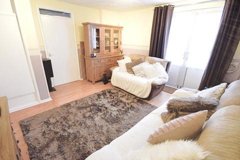 1 bedroom flat for sale - Milwards, Harlow, Essex, CM19 4SR