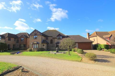 5 bedroom detached house for sale - Berberry Drive, Flitton, Bedfordshire, MK45 5ER