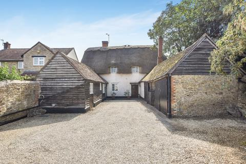 4 bedroom cottage for sale - Thame Road, Stadhampton, Oxford