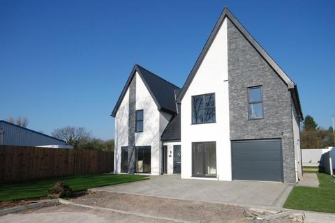 4 bedroom detached house for sale - Laurel Court, Waterton Village, Near Bridgend, CF31 3YX