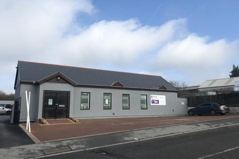 Office to rent - Trade Counter/Showroom/Business Unit, Coegnant Close, Brackla Industrial Estate, Bridgend, CF31 2AY