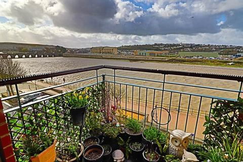 2 bedroom flat for sale - Riverside Court, Barstaple