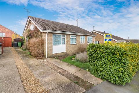2 bedroom semi-detached bungalow for sale - Warren Close, Irchester, NN29 7HF