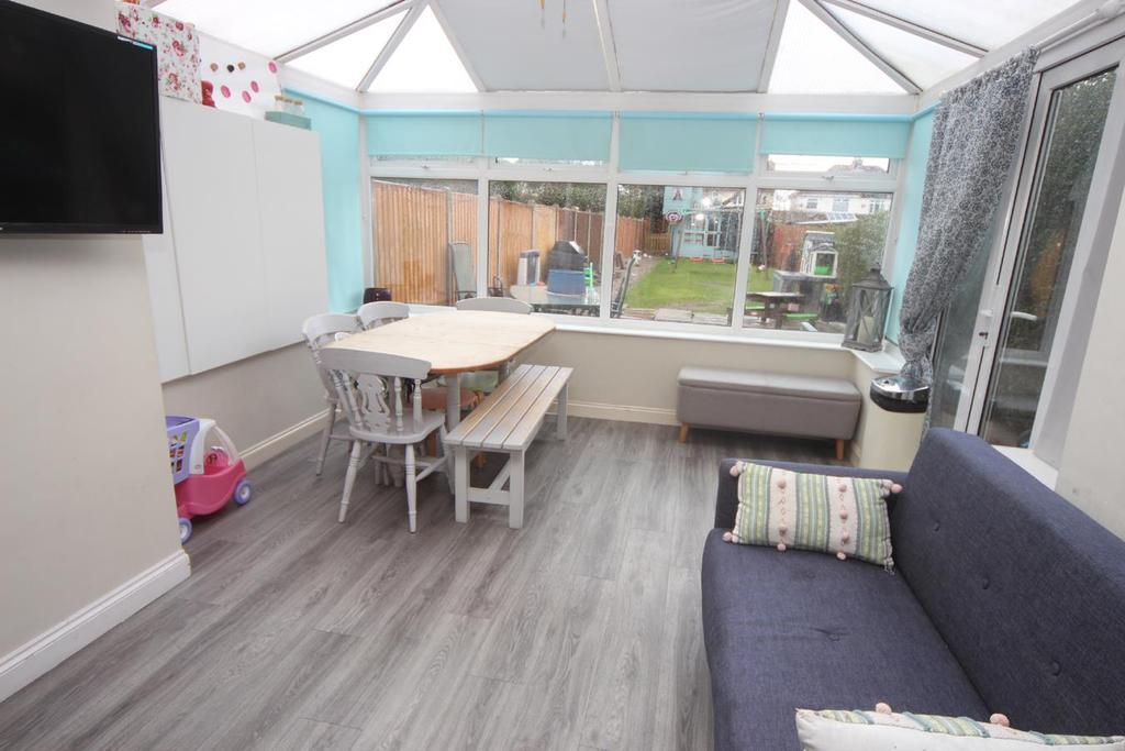 Edward Street Hinckley 4 Bed Terraced House For Sale 163