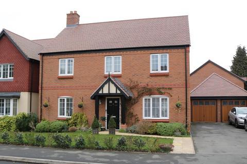 4 bedroom detached house for sale - St Phillips Grove, Bentley Heath