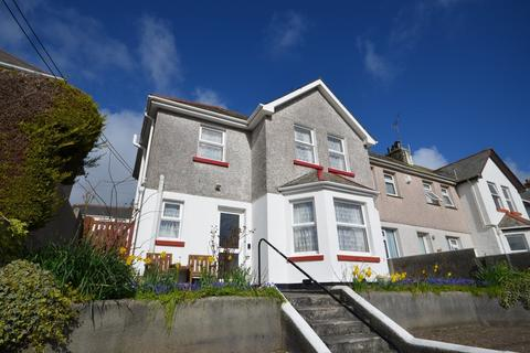 3 bedroom end of terrace house for sale - Stokes Road, Truro
