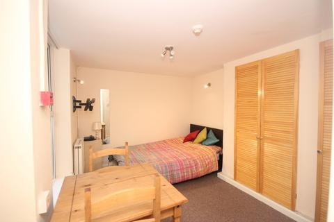 Studio to rent - Glen Park Avenue, Plymouth