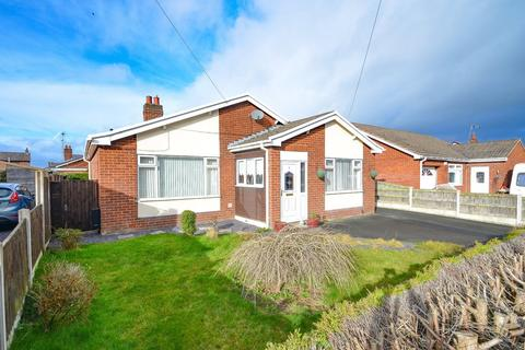 3 bedroom detached bungalow for sale - Dukesfield Drive, Buckley