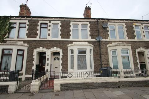 Studio to rent - Railway Street, Cardiff