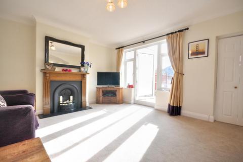 4 bedroom semi-detached house to rent - Abbotsbury Gardens, Pinner, Middlesex, HA5 1SU