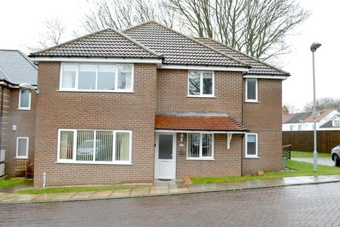 2 bedroom flat for sale - Penny Mews, Waltham, North East Lincolnshir, DN37
