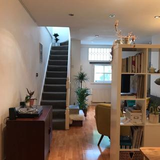 2 bedroom flat to rent - Usher Road, London, E3
