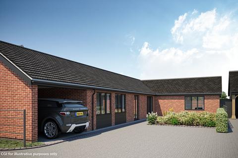 3 bedroom detached bungalow for sale - Oakland Mews, Norwich Road, Strumpshaw