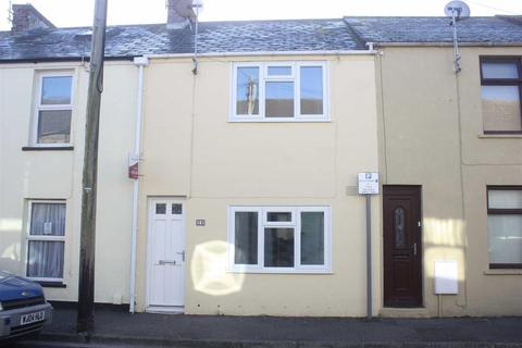 3 bedroom terraced house for sale - Moments From Beach & Town