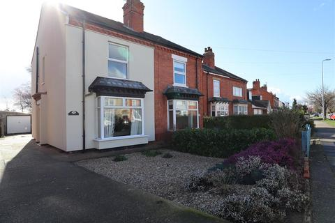 3 bedroom semi-detached house for sale - Hykeham Road, Lincoln