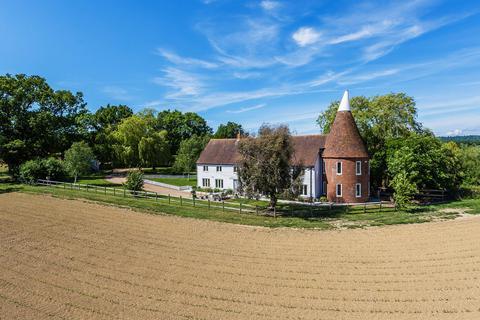 6 bedroom barn conversion for sale - Chiddingstone, TN8