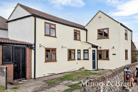 3 bedroom cottage for sale - Mill Road, Stokesby