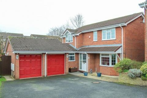 4 bedroom detached house for sale - 5 Kingfisher Close, Newport, Shropshire, TF10 8QD