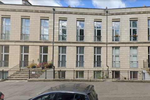 3 bedroom flat to rent - Hopetoun Crescent, Broughton, Edinburgh, EH7 4AY