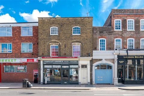 Studio to rent - High Road, London, N17
