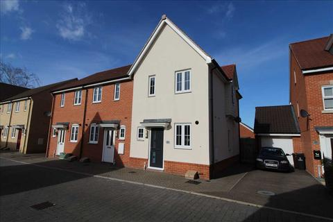 2 bedroom end of terrace house for sale - Henry Everett Grove, Colchester