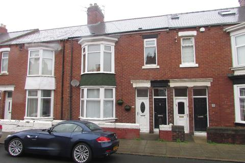 3 bedroom flat for sale - FOR SALE Armstrong Terrace, South Shields, NE33 4LE