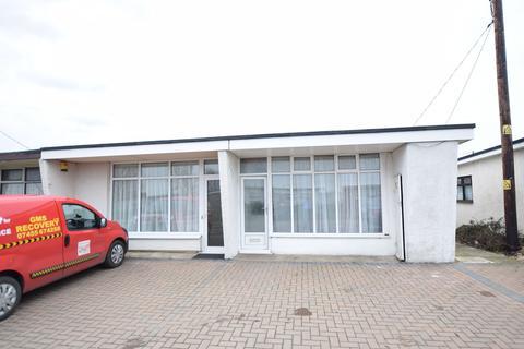 2 bedroom chalet for sale - Links Road, St Osyth
