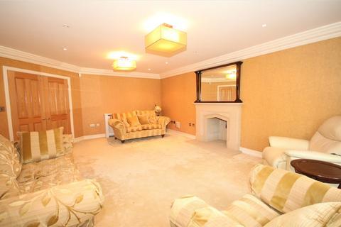 5 bedroom house to rent - Court Road, Eltham, London SE9