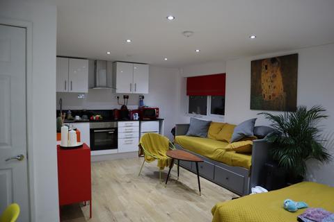Studio to rent - Samsons House, Endsleigh Road, Bedford, Bedfordshire, MK42