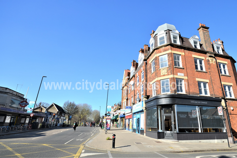 Office to rent - 2nd Floor, Station Parade, Ealing W5