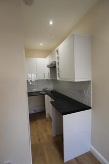 Studio to rent - Clare Gardens, Barking IG11