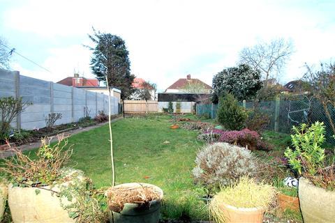 4 bedroom semi-detached house to rent - Bassingham Road, Wembley, HA0