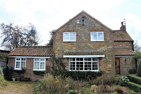 3 bedroom cottage for sale - Trotters Lane, Harlaxton, Grantham