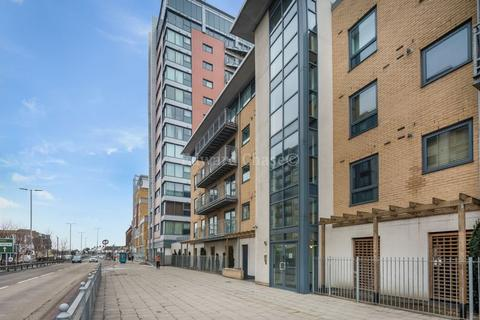 Parking to rent - Citygate House, Gants Hill, IG2