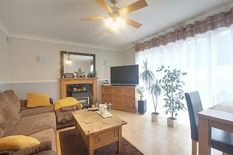 3 bedroom detached house for sale - Kilnwood Close, Carlton