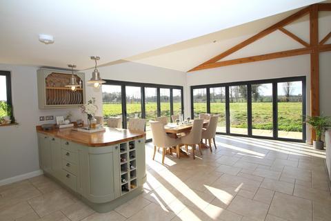 3 bedroom barn conversion for sale - Swainsthorpe Road, Swainsthorpe