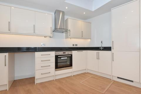 2 bedroom house to rent - Higham Road, Chesham, HP5