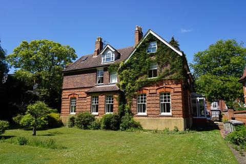 3 bedroom apartment for sale - The Broadway, Woodhall Spa