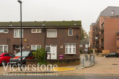 3 bedroom end of terrace house for sale - Wallwood Street, Mile End, London, E147BW