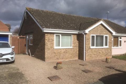 2 bedroom semi-detached bungalow to rent - Hall Road, Stowmarket