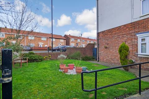 2 bedroom flat for sale - Charnwood Avenue, Longbenton, Newcastle upon Tyne, Tyne and Wear, NE12 8SL