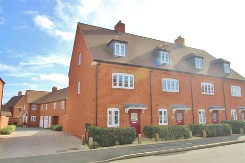 4 bedroom townhouse for sale - Cygnus Way, Brackley