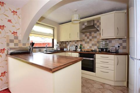 3 bedroom semi-detached house for sale - Adnams Walk, Rainham, Essex