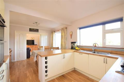 4 bedroom detached house for sale - Hillside Way, Withdean, Brighton, East Sussex