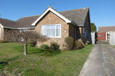 3 bedroom bungalow for sale - Hallwards, Staplehurst, Kent, TN12 0NT