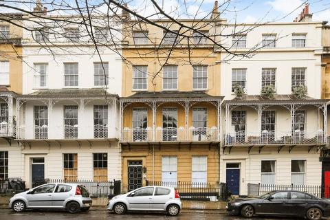 3 bedroom maisonette for sale - Caledonia Place, Bristol