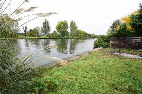 Land for sale - The Warren, Caversham, Reading
